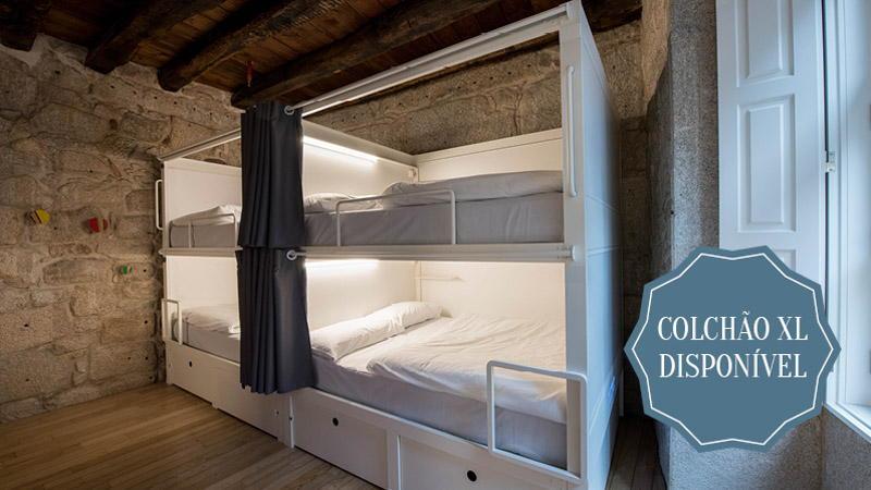 Quarto com 8 camas